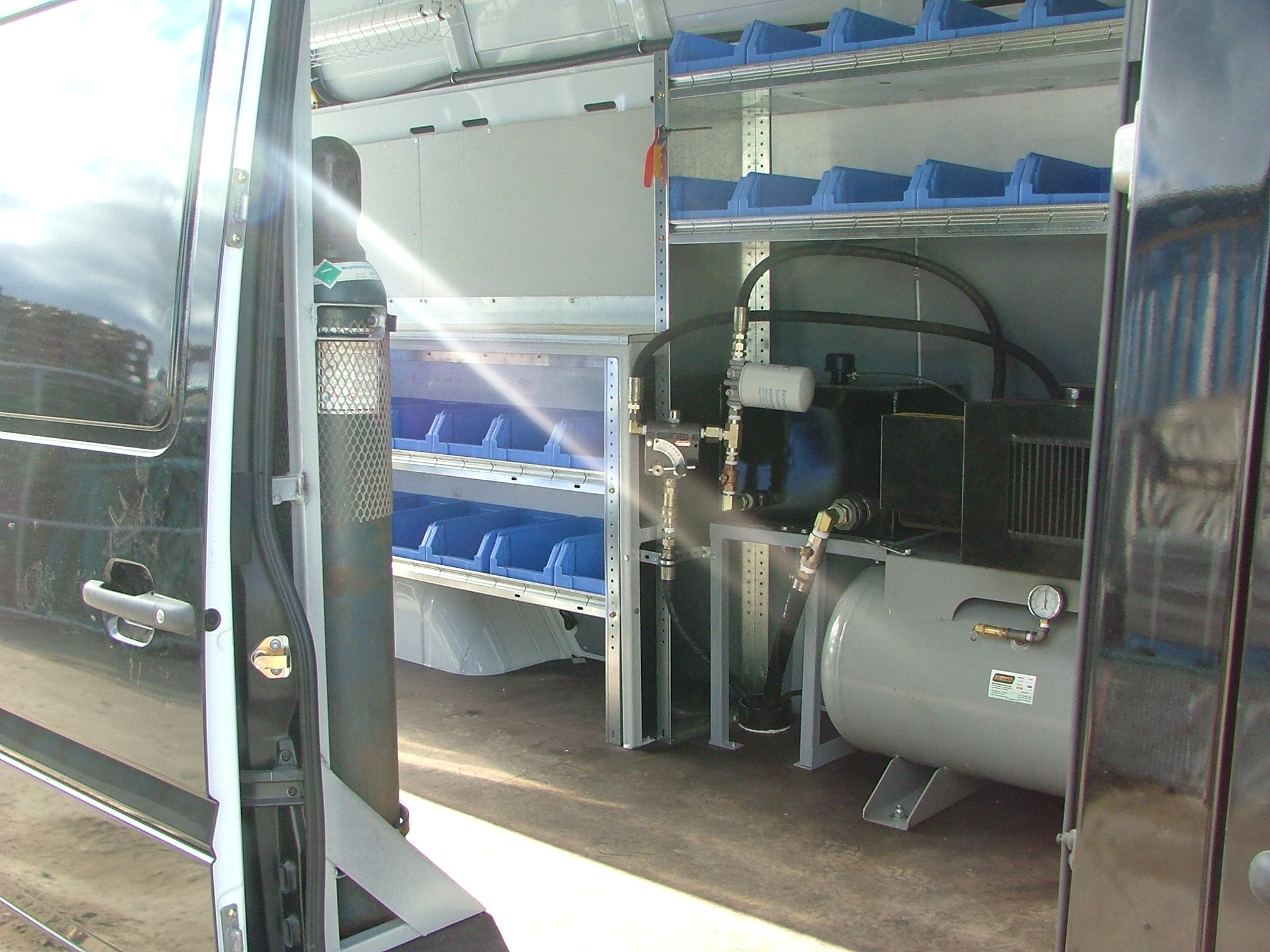 section camion de service. Black Bedroom Furniture Sets. Home Design Ideas
